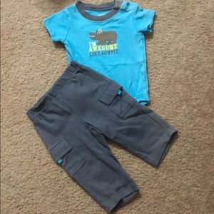 4 for $12 Carter's hippo 2 piece outfit 6 months